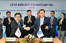 Sở giao dịch chứng khoán TP. Hồ Chí Minh và Hà Nội ký kết hợp tác