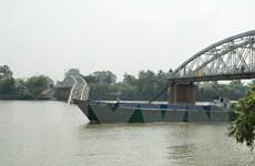 Hiểm họa đường thủy rình rập trên tuyến sông Đồng Nai-Sài Gòn