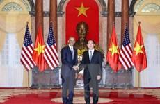 Báo quốc tế loan tin Hoa Kỳ dỡ bỏ cấm vận vũ khí với Việt Nam