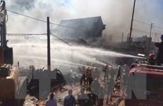Siêu thị đồ gia dụng bất ngờ cháy dữ dội, hàng tỷ đồng ra tro