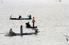 Đi thu mua sầu riêng, 3 người mất tích trên hồ thủy điện Đại Ninh
