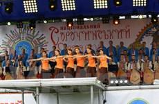 Gian hàng Việt Nam nổi bật trong Hội chợ truyền thống Ukraine