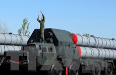[Video] Nga triển khai hệ thống tên lửa S-300 đến Syria