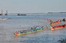 Campuchia: Hàng triệu người dự lễ hội đua thuyền trên sông Tonle Sap