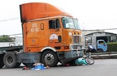 Bình Dương: Xe container chạy ẩu cán một phụ nữ chết tại chỗ