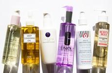 5 chai dầu tẩy trang tốt nhất cho mọi loại da mà bạn gái nên biết