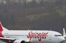 Máy bay Ấn Độ chở 176 hành khách phải hạ cánh khẩn cấp