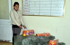 Quảng Ninh bắt một phụ nữ buôn lậu hơn 100kg pháo nổ Trung Quốc