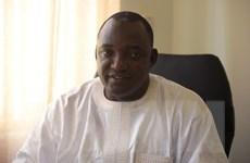 Tổng thống sắp mãn nhiệm Gambia ban bố tình trạng khẩn cấp