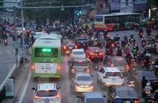 Sau 3 tuần vận hành BRT ở Hà Nội: Mới đáp ứng được 10% nhu cầu