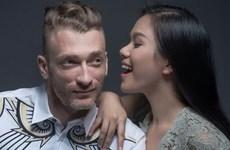 Vợ chồng ca sỹ Phương Vy-Sean: Cùng nhau già đi nghe thật đẹp