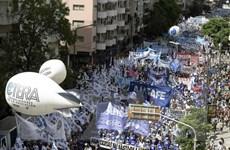 Argentina: Đình công trên toàn quốc, nhiều hoạt động bị tê liệt
