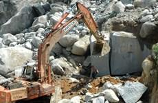 Lạng Sơn: Doanh nghiệp khai thác đá phá đường, hủy hoại môi trường