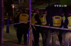 [Video] Cảnh sát Anh phản ứng kịp thời trong vụ tấn công ở London