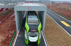 [Video] Trung Quốc ra mắt tàu điện không người lái, không đường ray