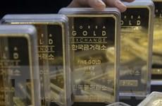 Giá vàng thế giới rơi xuống mức thấp nhất trong 4 tuần
