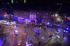 Vụ lao xe tải vào người đi bộ ở Anh: Ít nhất 3 người bị thương nặng
