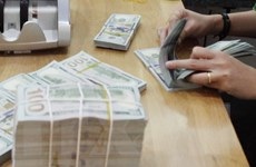 """IIF cảnh báo """"rủi ro tái cấp vốn"""" trước nguy cơ bùng nổ nợ toàn cầu"""