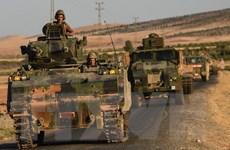 Thổ Nhĩ Kỳ điều xe tăng và pháo binh tới biên giới với Syria