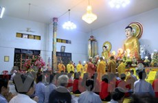 Người Việt tại Lào hướng về cội nguồn nhân đại lễ Vu Lan báo hiếu