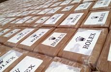 Colombia tịch thu gần 1 tấn cocaine giấu trong kiện hàng tàu biển