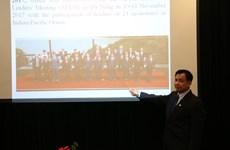 Giới thiệu hình ảnh Việt Nam với giáo viên và học sinh Ukraine