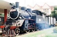 Trải nghiệm thú vị trên tuyến đường sắt kỳ lạ nhất thế giới ở Đà Lạt