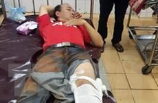 Cán bộ kiểm lâm bị thương nặng khi chặn xe chở gỗ trái phép
