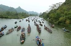 Chủ tịch Hà Nội yêu cầu không để xảy ra tăng giá tại lễ hội chùa Hương