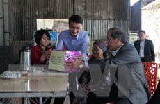Hỗ trợ người nghèo, gia đình chính sách, người có công đón Tết