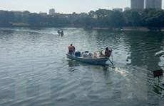 Chế phẩm Redoxy-3C giúp cải thiện đáng kể nước các hồ tại Hà Nội