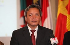 Đại sứ Phạm Quốc Trụ gặp gỡ cộng đồng người Việt tại Mali