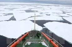 Nam Phi muốn kéo núi băng Nam Cực về lấy nước chống hạn