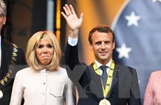 Tổng thống Pháp nhận giải Charlemagne vì những đóng góp cho EU