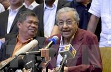 Quốc vương Malaysia đề nghị ông Mahathir thành lập chính phủ mới