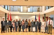 Ban Dân vận chú trọng việc dạy tiếng Việt cho kiều bào tại Hà Lan