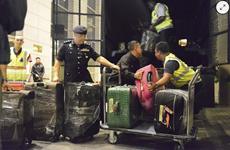 Cảnh sát Malaysia thu gần 29 triệu USD tại căn hộ của con ông Najib