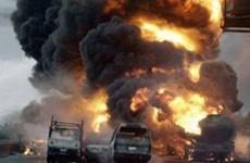Xe Toyota đâm trực diện xe thể thao Range Rover, 20 người chết cháy