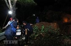 [Video] Quốc lộ 4D sạt lở, giao thông từ Lào Cai đi Sa Pa tê liệt