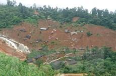 Sạt lở gây khó khăn cho việc khắc phục sự cố điện ở miền núi phía Bắc