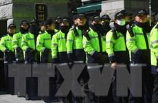 Hàn Quốc: Tranh cãi về ý định ban hành lệnh đồn trú khi xét xử bà Park