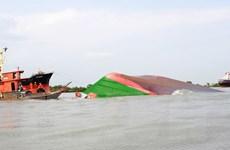 TP Hồ Chí Minh: Tai nạn đường thủy nghiêm trọng, một sà lan bị chìm