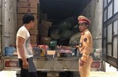 Nghệ An liên tục bắt giữ nhiều xe tải chở lượng lớn hàng lậu