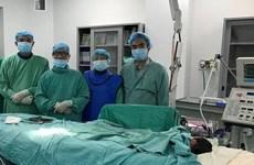 Đặt stent động mạch thành công, cứu sống bệnh nhi 1 ngày tuổi