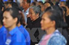 [Photo] Người dân đến dự Lễ truy điệu Chủ tịch nước tại tỉnh Ninh Bình