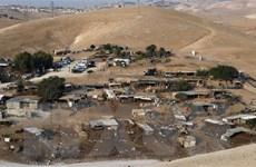 Israel phá hủy làng của người Bedouin để mở rộng khu định cư Bờ Tây