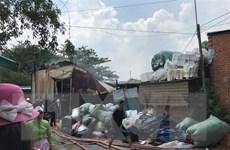 TP.HCM: Cơ sở thu mua phế liệu giữa khu dân cư bốc cháy dữ dội