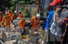 Động đất-sóng thần Indonesia: Chôn cất 1.000 nạn nhân trong mộ tập thể