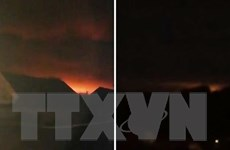 Kho vũ khí tại Ukraine nổ liên tiếp, huy động cả máy bay tới dập lửa