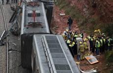 45 người thương vong trong vụ tàu hỏa trật bánh ở Tây Ban Nha